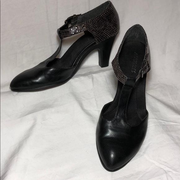 be273c05e843 AEROSOLES Shoes - AEROSOLES T Strap Pumps